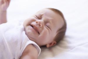 11 دلیل اصلی غر زدن نوزاد را بشناسید