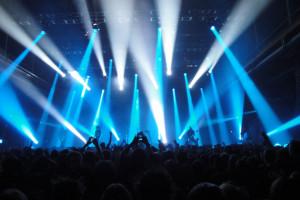 آمار کنسرت های مرداد و شهریور خوانندگان مورد علاقه تان را بگیرید!