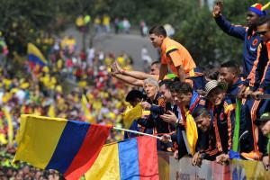 لحظه بازگشت تیم ها از جام جهانی