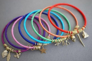 روش ساخت دستبند های رنگی با نخ