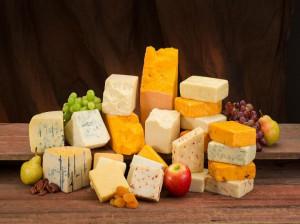 آشنایی با کالری و ارزش غذایی انواع پنیر