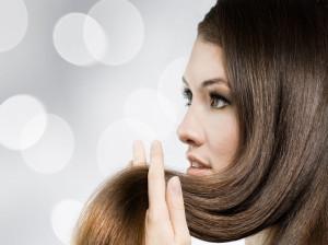 معرفی 10 مورد از بهترین روغن ها برای تقویت و رشد مو