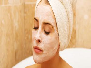 روشن سازی پوست با ماسک جوش شیرین