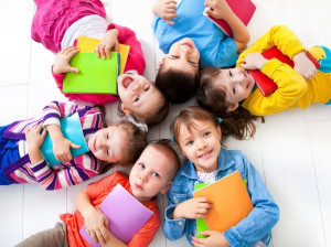 بهترین روش یاد دادن شعر به کودکان + اشعار کودکانه