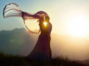 ماچ و بوسیدن عاشقانه همسر چه تاثیر مثبتی در زندگی زوجین دارد؟