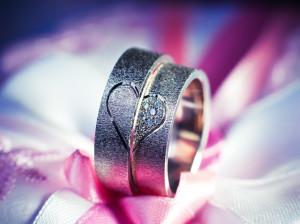 ۲۰ عکس عاشقانه حلقه ازدواج برای پروفایل زوجهای خاص