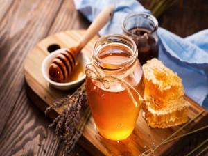 ۷ خاصیت اسرار آمیز عسل بهار نارنج