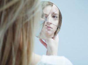 اختلال شخصیت اسکیزوتایپال چیست و چگونه میتوان آن را درمان کرد؟