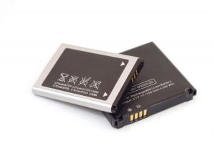 ۸ تکنیک کاربردی برای تشخیص باتری اصلی موبایل از انواع تقلبی