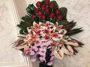تزیین دسته گل رز - تزیین دسته گل مصنوعی - تزیین دسته گل با کاغذ کادو