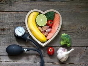 ۱۳ خوراکی که فشار خون را پایین می آورد