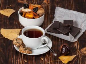 چای و شکلات : راز طول عمر بیشتر با چای و شکلات