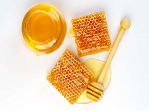 عسل بره موم : آشنایی با خواص اعجاب انگیز عسل بره موم