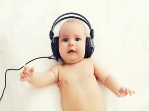 شنوایی نوزاد از چه زمانی آغاز میشود ؟