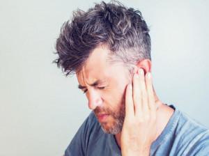 ۱۱ راهکار خانگی برای درمان وزوز گوش