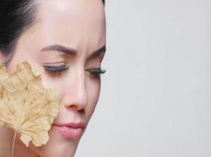 ۱۶ درمان خانگی برای خشکی و پوسته پوسته شدن پوست