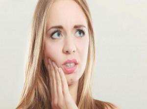 مسکن برای درد دندان : ۱۶ مسکن سریع الاثر برای دندان درد شبانه