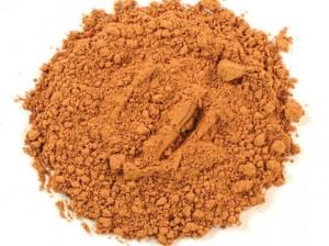 ۱۷ خاصیت تایید شده خاک رس برای سلامت پوست و مو