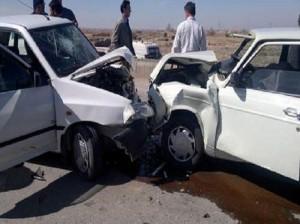 تخمه خوردن حین رانندگی دلیل تصادف است نه پراید!