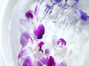 روش های تمیز کردن گل های مصنوعی