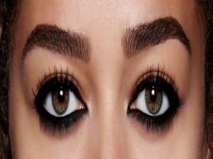 آموزش روش صحیح استفاده از سرمه برای چشم ها
