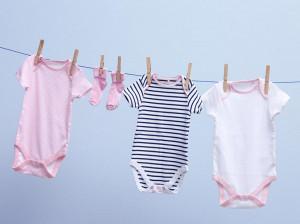 هنگام شستن لباس نوزاد به این نکات توجه کنید!