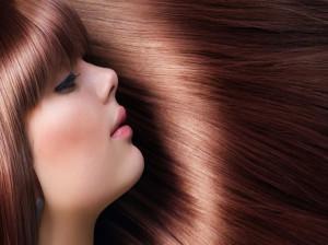 آبرسانی مو در خانه : روش های بی نظیر برای رفع خشکی موها