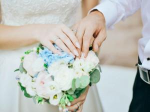 ۴۵ پیام از جنجالی ترین کپشن های طنز ازدواج