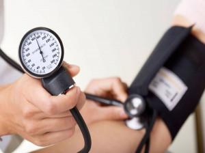بررسی تأثیر آبغوره بر فشار خون و دانستنی هایی درمورد این چاشنی