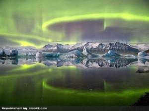 تصویر رقص نور شمالگان در ایسلند