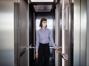 این موارد دلایل اصلی بسته نشدن درب آسانسور هستند