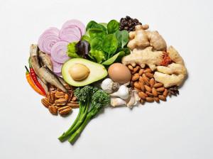 با این 13 ماده غذایی همیشه مغز سالم و جوان داشته باشید
