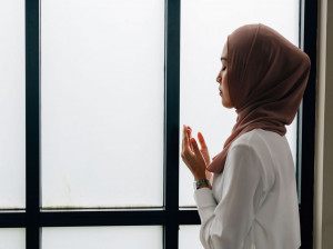 بهترین دعای دختر دار شدن از نگاه امامان