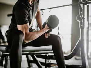 دمبل تمرکزی چیست؟ عضلات درگیر در دمبل تمرکزی