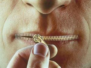چگونه پرحرف نباشیم و پرحرفی را درمان کنیم؟