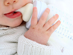 علت اصلی کف کردن دهان نوزاد در خواب چیست ؟
