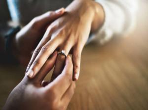 30 متن جذاب و رویایی تبریک سالگرد ازدواج برادر