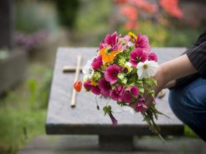 70 متن فوق احساسی و جانسوز برای مادر فوت شده