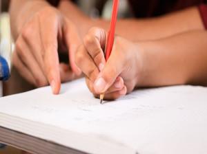 ترفند کاربردی برای آموزش گرفتن مداد به کودک