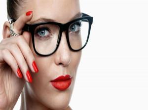 اصول آرایش برای خانم های عینکی