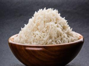 چگونه بوی سوختگی برنج را از بین ببریم ؟
