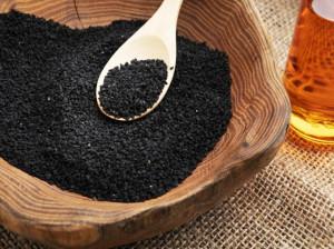 بهترین روش مصرف روغن سیاه دانه برای کاهش وزن و لاغری