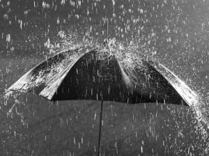 دانلود صدای باران : 12 صدای آرام بخش باران با کیفیت عالی