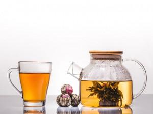 10 خاصیت جادویی چای بلومینگ و طرز تهیه این دمنوش