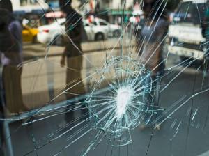 خواب شیشه شکسته