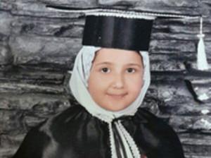بیوگرافی سارا جمشیدی نخبه بجنوردی و جوانترین داوطلب کنکور 1400