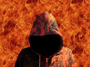 دایی خشمگین، خواهرزاده اش را آتش زد