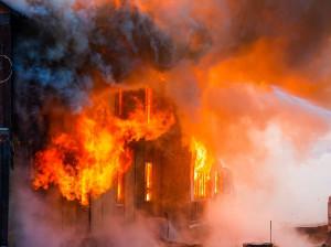 7 کشته و زخمی در انفجار خط لوله نفت و گاز شوش