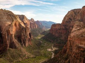 تعبیر خواب دره: 19 نشانه و تعبیر دیدن دره در خواب