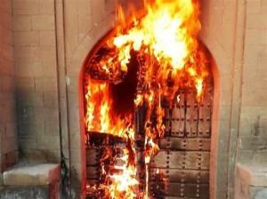 در آتش سوختن آثار باستانی ۳۰۰ ساله در شوشتر !